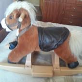 Лошадка-качалка пони для ребеночка с 1 года