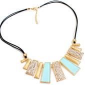 Колье ожерелье на шею украшение позолоченного цвета