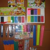 Рюкзаки різні,Пластилін,краски,циркуль,олівці,резинки,фломастери.....