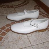 Туфельки Wolly 36 розмір 23 см білого кольору шкіра