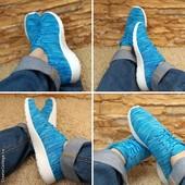 Женские кроссовки голубые, в наличии