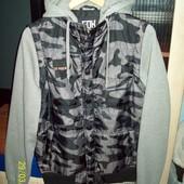 Спортивная куртка размер М
