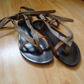 Фирменные кожаные босоножки сандалии на 37-38 размер.
