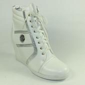 Женские ботинки сникерсы Sneakers на танкетке белые Prima D'arte р.39,40,41
