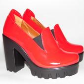 Туфли, на тракторной подошве, красного цвета