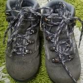 Недорого брендовие стильние ботинки Karrimor, 23 размер или 6 евро