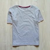 Стильная полосатая футболочка для мальчика. M&S. Размер 4-5 лет, будет дольше. Состояние: отличное.