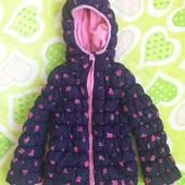 Красивая курточка на худенькую девочку. Размер указан 5-6 лет, реально с 2,5-3 лет