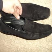 Фірмові замшеві туфли .42