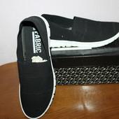 Очень легкие и классные кроссовки