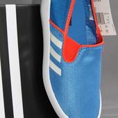 Модные слипоны фирма  Adidas (Адидас), европейский размер-35, 5-36, по стельке-23 см