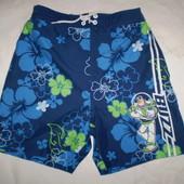 яркие пляжные шорты Disney