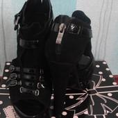Стильные новые фирменные туфли замша Attizzare