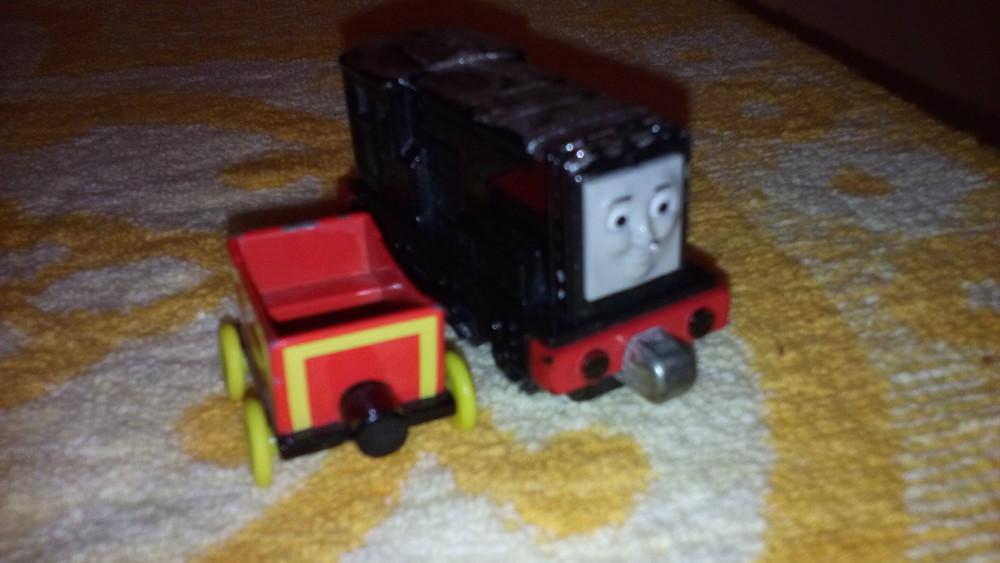 Железный паровозик поезд томас фото №1