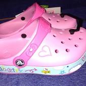 Crocs Hello Kitty Plane Sandals р.31-32   21-23 см
