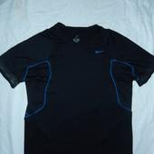 Nike мужская футболка М(178См),состояние новой,оригинал