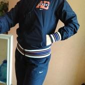 Спортивный костюм Nike  р-р М, 46