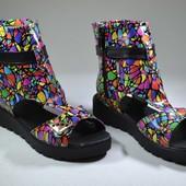 Новинка модные кожаные сапожки,босоножки Модель:SR на подошве 05, в коже мозайка