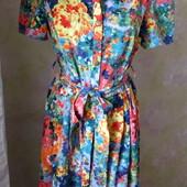 Красочное расклешенное  платье новое