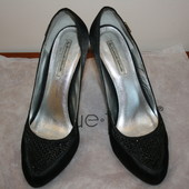 Красивые атласные вечерние туфли E.Gelmetti 38-39р в идеальном состоянии