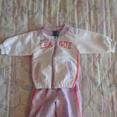 продам спортивный костюм малышке 6-12 мес. полиэстер.