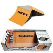 Фингерпарк Super Skatepark Sbergo рампа + фингерборд набор 9+