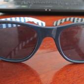 Стильные солнцезащитные очки Next