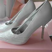 Туфли свадебные или  на торжество c камнями Swarovski р.35р.37