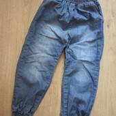Облегчённые летние джинсы H&M для малышки 3-5 лет, суперские.