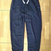 Спортивные штаны на 10-12 лет. рост 140-146 см