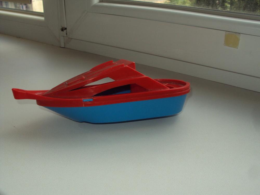 Игрушки для воды - лодочка, катер, лейка, водный пистолет фото №1