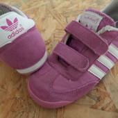 Кроссовки Adidas-размер 25-длина стельки-16 см