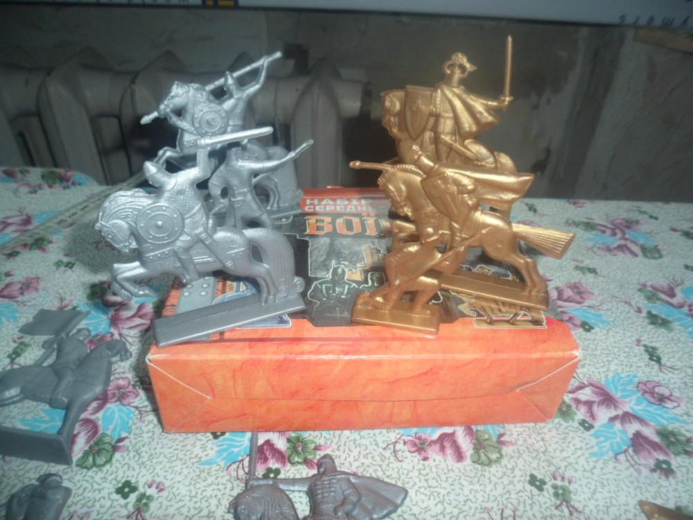 набор средневековых воинов в коробке  фото №1