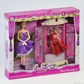 Кукла 589-7 с гардеробом и нарядом в коробке