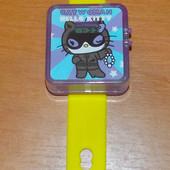 Фирменные электронные часы Hello Kitty для ребенка