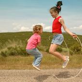 Скакалка - чудо-подружка для любого ребенка и даже взрослого! Длина 2 метра. УП 8 грн.