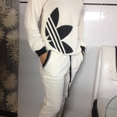 Велюровый костюм молочного цвета adidas