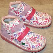 Кожаные ботиночки Kickers для девочек 25 разм