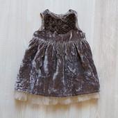 Шикарное нарядное платье для маленькой принцессы. Внутри на подкладке. Н&M. Размер 2-4 месяца