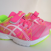 Распродажа  легкие кроссовки 33 р на 21 см