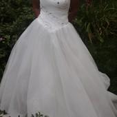 Роскошное,классическое платье для истинной принцессы.