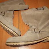 замшевые   кожаные  сапожки  ф.  Coptoir des cotonniers  Румыния  размер  40 -  26  см