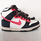Стильные сникерсы Nike    SH33023