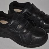 Туфли Clarks р.26--8,5 F стелька 17,5 см.