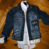 Красивая джинсовая куртка пиджак на молнии со стразами