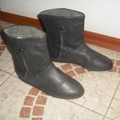 Сапожки Італія на вузеньку ніжку 35 розмір 22 см  шкіра