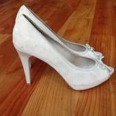 Bata кожаные обалденные туфли 39р. Супер цена