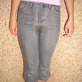 Бриджи джинсовые стильные. Черно - серые. Б у. В отличном состоянии.