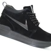 Женские демисезонные ботинки Viva Black