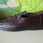 Добротные практически новые туфли кожа полностью, Австрия